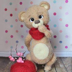 Купить Вязаная игрушка Мишка-вишенка - бежевый, медведь, медвежонок, обнимашка…