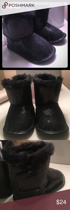 Sparkle sequin furry boots 6 - 9 months Brand new! Tag attached. Age 6-9 months Shoes Boots