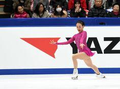 迫真の表情で演技する浅田 (800×596) http://www.nikkansports.com/sports/figure/asada-mao/photo/article/1572222.html
