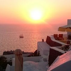 Where else but Esperas in #Santorini can you get a view like that every single night..?