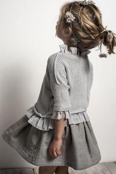 una tienda de moda infantil muy coqueta would like to add a ruffle to one of Livi's sweaters, like this.would like to add a ruffle to one of Livi's sweaters, like this. Fashion Kids, Little Girl Fashion, Trendy Fashion, Spring Fashion, Mode Outfits, Girl Outfits, Fashion Outfits, Baby Dress, Dress Up