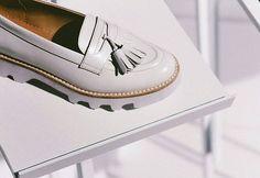 Пока это фрагменты новой женской коллекции, которая будет в продаже с 1 мая. Мы не только не уходим от классики, но делаем её еще более комфортной, добавляя новые цвета и детали в уже полюбившиеся вам модели.  #white #women #loafers are ready to impress you!