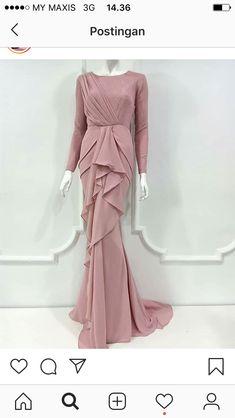 Hijab Evening Dress, Hijab Dress Party, Long Evening Gowns, Modest Fashion Hijab, Fashion Dresses, Dressy Dresses, Dress Outfits, Dress Brokat Muslim, Muslimah Wedding Dress