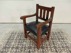 Oak Arts + Crafts / Mission Dining Arm / Office Chair - Outstanding quality quartered Oak Arts + Crafts / Mission dining arm or office chair. The chair has - Antique Dining Chairs, Sand Crafts, Accent Chairs, Armchair, Arts And Crafts, Mission Oak, Antiques, Seo, Table