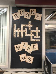 School Library Decor, School Library Displays, Middle School Libraries, Elementary School Library, Middle School Classroom, Classroom Displays, School Fun, Primary School Displays, Classroom Door