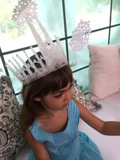 DIY Snow Queen Ice Crowns for your little Princess! #kidscrafts #DIY #crafts