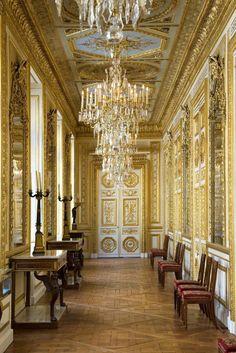 versaillesadness:  Hôtel de la Marine, Galerie Dorée, Place de la Concorde, Paris.