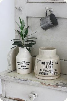 I collect these mustard jars.make the sweetest vases! Shaby Chic, Rustic Shabby Chic, Shabby Vintage, Rustic Style, Stone Fruit, French Country Style, Bottles And Jars, Cool Kitchens, Crock