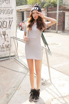 Today's Hot Pick :Short-Sleeved Striped Dress http://fashionstylep.com/SFSELFAA0032245/stylenandaen/out Here is a super-easy dress that will carry you seamlessly from day to night. This striped dress features a banded crew neck line, short sleeves, hem that hits the upper thighs, flattering body-con dress silhouette, cinching at waist that highlights your figures, and an overall slim fit. Slip on this dress for all sorts of occasions.