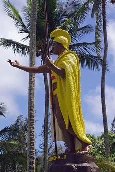 King Kamehameha statue in Hawi King Kamehameha, Travel Books, March 2013, Hawaiian Islands, Big Island, Beautiful Islands, Artist Art, Art Supplies, Royalty