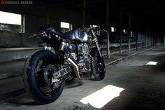 UglyBROS Yamaha SR400 by Crazy Garage http://goodhal.blogspot.com/2013/03/crazy-garage-uglybros.html #CrazyGarage #Motorcycle #SR400 #UglyBROS #Yamaha