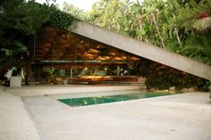 The Sheats-Goldstein House in Los Angeles was designed by John Lautner in 1961