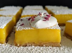 A browned butter shortbread crust, tart lemon filling, and a final flourish of powdered sugar make these lemon bars a delicious photo-worthy dessert! When life gives you lemons, make lemon bars. With a lot of free time on our hands these days, and an abundance … Butter Crust, Chantilly Cream, Vanilla Whipped Cream, Lemon Filling, Shortbread Crust, Lemon Bars, Oven Racks, Summer Treats, Tic Tac