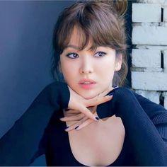 Song Hye Kyo Style, Decendants Of The Sun, Shin Se Kyung, Song Joong Ki, Korea Fashion, Girls Makeup, Girl Face, Korean, Actresses