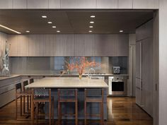 The main purpose of a kitchen backsplash is of course to protect the wall from spills and cooking related accidents. And besides this, it adds up to the aesthetic appeal of the kitchen. Backsplashes can