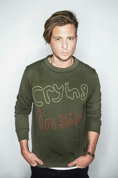Ryan Tedder - Front Man Of OneRepublic and A Real Genius Real Genius, Ryan Tedder, Eddie Fisher, Boy Hairstyles, Haircuts, One Republic, Music Stuff, Cool Bands, Famous People
