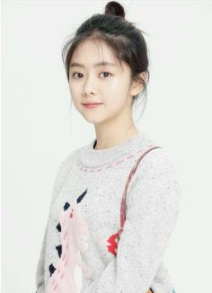 ⭐@Minmiogii⭐ Prettiest Actresses, Beautiful Chinese Girl, Cute Actors, Girl Short Hair, Chinese Actress, Korean Celebrities, My Outfit, Stylish Outfits, Asian Beauty