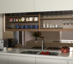 Bronze mirror splash back in Roundhouse Urbo matt lacquer bespoke kitchen