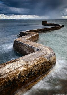 So dramatic and picturesque! St Monans' Zig Zag Breakwater - Fife, Scotland I used to live near there in Crail - still miss it. Oh The Places You'll Go, Places To Travel, Places To Visit, England And Scotland, Fife Scotland, Voyage Europe, All Nature, Scotland Travel, London