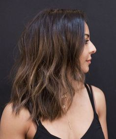 Classy Medium Shaggy Hairstyles for Girls and Women to Add More Beauty and Style Mens Haircuts Short Hair, Medium Shaggy Hairstyles, Trendy Hairstyles, Girl Hairstyles, Medium Hair Cuts, Medium Hair Styles, Natural Hair Styles, Brown Hair With Blonde Highlights, Hair Highlights