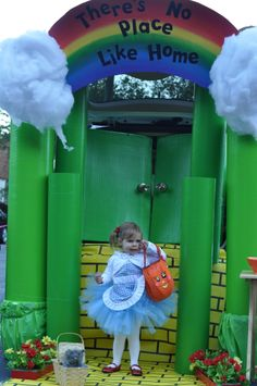 """I have to repin this! Seriously, most AMAZING trunk or treat decor I've ever seen...""""Wizard of Oz Trunk or Treat my first pin...it's just too cute not to share!"""""""