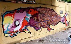 RAMON MARTINS - GRAFFITEIROS NO MASP Nada garante que daqui a 1000 anos qualquer uma destas imagens de graffitagens abaixo ainda exista. É uma arte maravilhosa porque ésta ao alcance visual de muitos, de todos e passa desapercebida. São em geral trabalhos elaboradissimos, com mensagens claras, muito específicas e feitas em espaços improváveis. #graffiti #streetart #urban