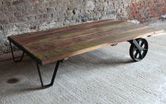 Table basse déco industrielle avec un plateau en bois recyclé - Barak'7.