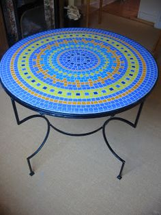 Making a mosaic table