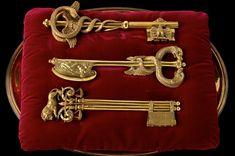 Clés de la ville de Lyon Les trois clés de la ville, dessinées par Chinard et exécutées par l'orfèvre Saulnier © Pierre Verrier