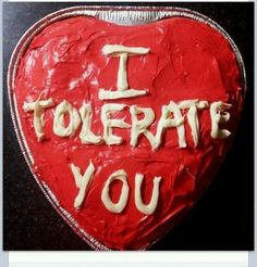 20 Hilarious (& Cheap) Pranks to Get Your Valentine Laughing - Hey married couples, these are hilarious! The best part? Most of these funny Valentine pranks are totally free. Funny Valentine, Be My Valentine, Valentine Cake, Valentine Ideas, Valentines Surprise, Valentine Crafts, Do It Yourself Organization, Funny Cake, Love Is In The Air