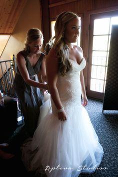 Jenna and Daniel | Longshadow Ranch Wedding | Aptera Studios-12 #weddingphotos #weddingphotography #winerywedding #longshadowranchwinery #romance #lovelove #wedding #bride #groom #truelove