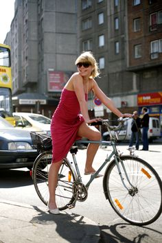 All Cute Girls in Europe Ride Bikes Everywhere, Wearing Cute Clothes, All Day! #Berlin #dress