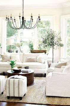 10 Gorgeous French Country Living Room Decor Ideas
