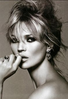 Kate Moss. Stunning makeup! Inspiration for Model Under Cover. #ModelUnderCover #DeadlybyDesign