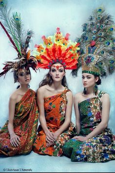 Traditional Filipino Ifugao and Mindanao Outfits. Photo by Shawn Nguyen Photography Headdress designed by Cordeo Fashion. | Assistant: Carlos Pareyes Designs | Assistant: Amanda Lynae Dial | MUAH: Makeup Artistry by Deme J | #filipino #filipina #halffilipinoisbetterthannone #philippines #photoshoot #photography #fashion #designer #design #model #modeling #makeup #peacockfeathers #mindanao #ifugao #tribal #traditional #blueaugustine #pinoy #pinay