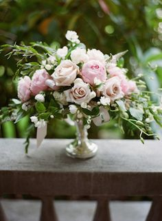 Blush pink and sage green flower centerpiece | Kirill Bordon Photography | see more on: http://burnettsboards.com/2014/10/fashion-editorial-edwardian-mansion/