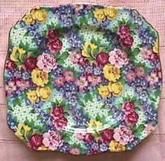 Vintage China Royal Winton: JULIA: multicolored flowers on a well there are so many colors I can't see what the background color is exactly. Just lovely chintz plate. I have the teapot in this pattern Antique China, Vintage China, 2 Clipart, Vintage Crockery, China Plates, Vintage Fur, China Patterns, Tea Party, China Porcelain