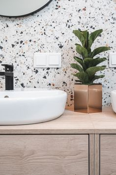 Bathroom Closet, Bathroom Inspo, Bathroom Inspiration, Bathroom Interior, Modern Retro Kitchen, Dutch House, Toilet Design, House Tiles, Dream Bathrooms