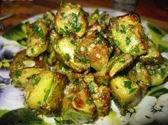 This dish of zucchini deserves a 5 : tastier meat / Amazing Cooking Vegetable Dishes, Vegetable Recipes, Vegetarian Recipes, Cooking Recipes, Healthy Recipes, Chicken Recipes, Good Food, Yummy Food, Russian Recipes