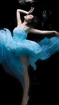 Undersea Beautiful Dancer #iPhone #5s #wallpaper