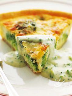Preparate la vostra Torta salata di cavolfiore e brie per la vostra famiglia, ma anche per le occasioni speciali come un buffet o un apericena!