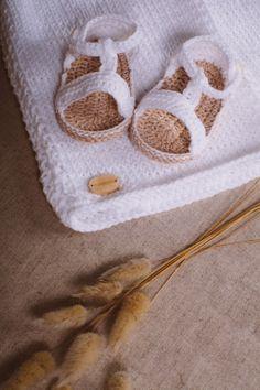 #sandalias para #bebé #newborn #ganchillo #baby #crochet #handmade #hechoamano #sandals #niña #ropa #loaprendidemayor *disponibles hasta 12 meses en el color que más te guste!