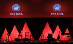 nice budget stage-set for Christmas...