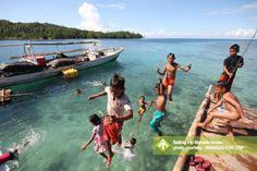 Sailing Trip Manado Ocean Taman Nasional Bunaken, Pulau Siladen, Pulau Mantehage, Pulau nain, Pulau Lihaga, Bahoi, Selat Lembeh, Tumbak, Pulau Bangka, Ratatotok 28 October - November 10, 2013 Link : http://triptr.us/uA