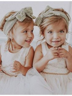 loveeee tatum and oakley 💘💘 Cute Twins, Cute Babies, Twin Toddler Photography, Toddler Fashion, Kids Fashion, Tatum And Oakley, Twin Baby Clothes, Twin Toddlers, Cute Baby Pictures