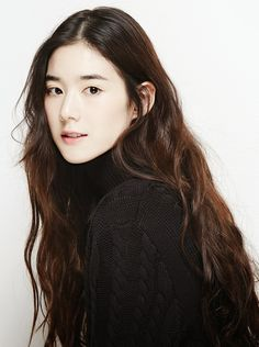 Jung Eun Chae Oh Boy! Korea Magazine Vol.51 Girls With Black Hair, Long Black Hair, Dark Hair, Female Character Inspiration, Effortless Chic, Kpop Fashion Outfits, Girl Crushes, Korean Girl, Korean Star