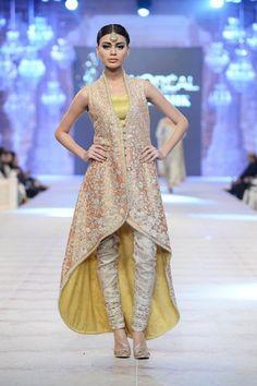 Churidar Salwar Designs for Womens in Trend - Buy lehenga choli online Salwar Designs, Salwar Kameez Neck Designs, Dress Designs, Pakistani Bridal Dresses, Pakistani Outfits, Pakistani Couture, Indian Fancy Dress, Indian Dresses, Indian Wear