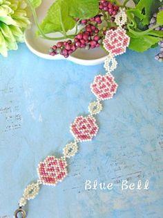 ビーズステッチキット Classic rose シェイプドステッチブレスレット ホワイトピンク