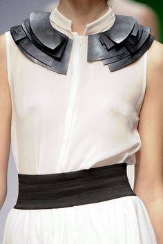 Circular collar piece with layered dimensionality - dress neckline feature; fashion details // Krizia