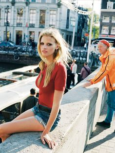 fuckyeahlarastone: Lara Stone in Amsterdam, photo by Angelo Pennetta